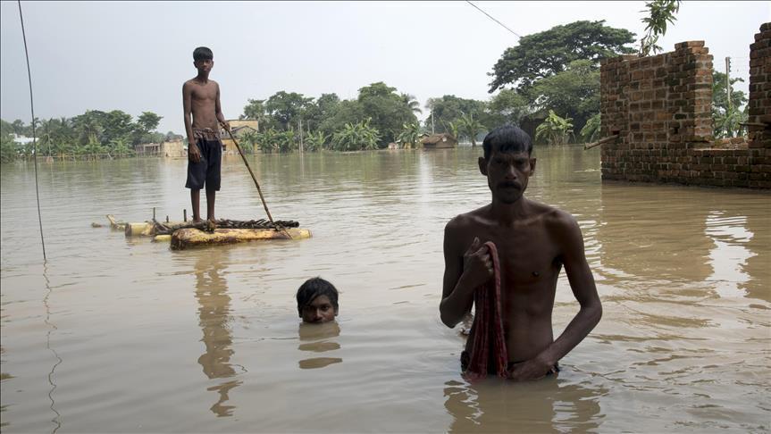Индияда катуу жааган жаандан 1673 киши каза болду