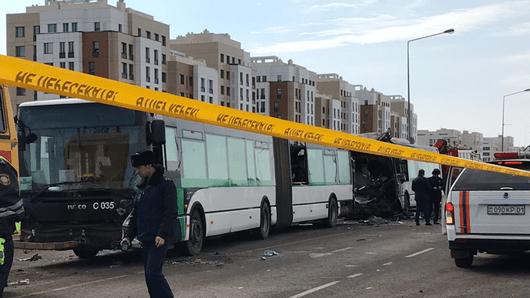Казакстанда автобус оодарылып кетип, сегиз киши ажал тапты