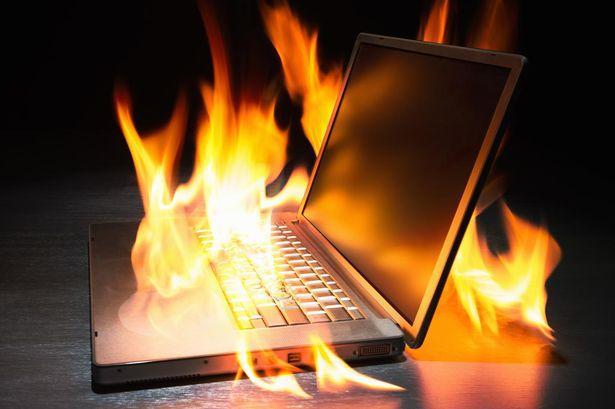 Өспүрүм компьютери менен кошо жарылып кетти